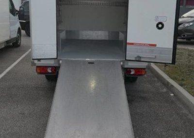 rampe accès espace frigo